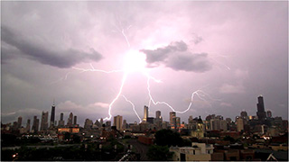 0000153-lightning-strikes-in-chicago-01-320