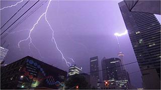 0000456-lightning-to-01-320
