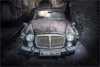 00006291-vintage-cars-in-a-tunnel-of-liverpool-01-320