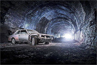 00006291-vintage-cars-in-a-tunnel-of-liverpool-06-320