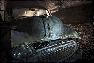 00006291-vintage-cars-in-a-tunnel-of-liverpool-12-320